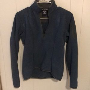 Women's Arc'teryx pullover size small